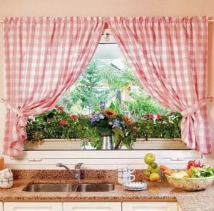 111 300x296 Советы по выбору кухонных занавесок.