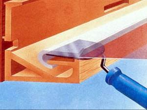 21 300x225  Демонтаж натяжного потолка при ремонте